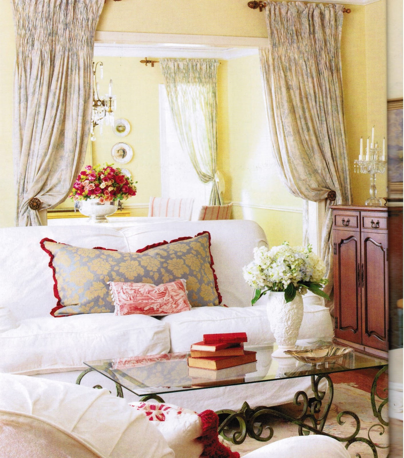 40 Gorgeous French Country Living Room Decor Ideas ...
